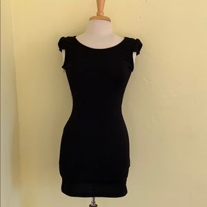 Only Dresses - Black minidress with lace/crocheted back